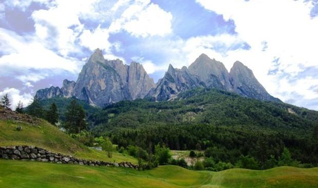 I percorsi del golf colf club di - Immagini da colorare delle montagne ...