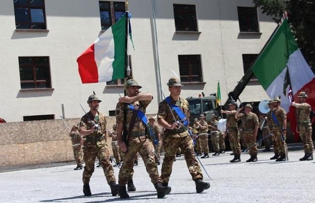 Il 5° Reggimento Alpini ha celebrato questa mattina la propria festa di  corpo in ricordo dei fatti d armi di Monte Fiore e Monte Castelgomberto  (altopiano ... b860da86e634